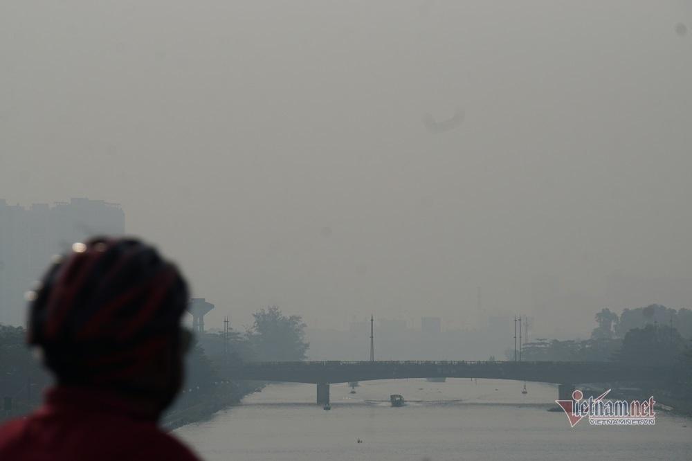 Sương mù ô nhiễm bao trùm Sài Gòn ngày cận Tết-5