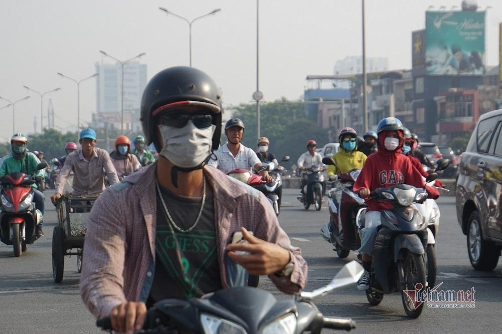 Sương mù ô nhiễm bao trùm Sài Gòn ngày cận Tết-9