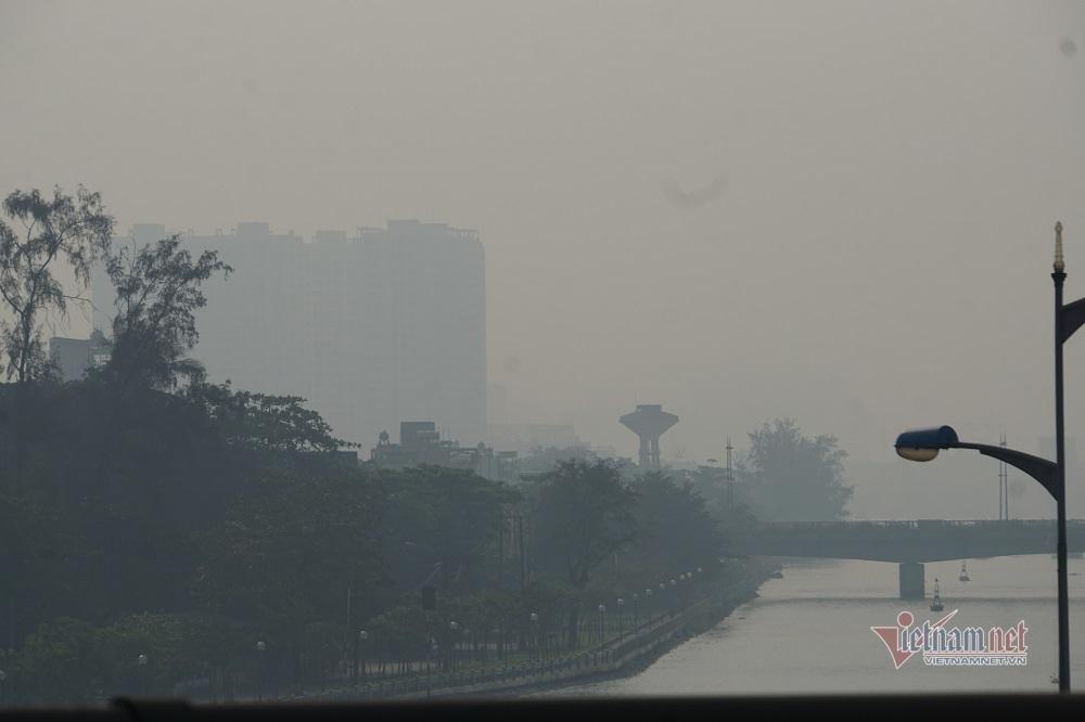 Sương mù ô nhiễm bao trùm Sài Gòn ngày cận Tết-10