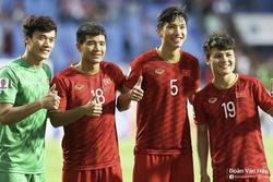 Văn Hậu chúc Quang Hải, Bùi Tiến Dũng chiến thắng U23 Triều Tiên
