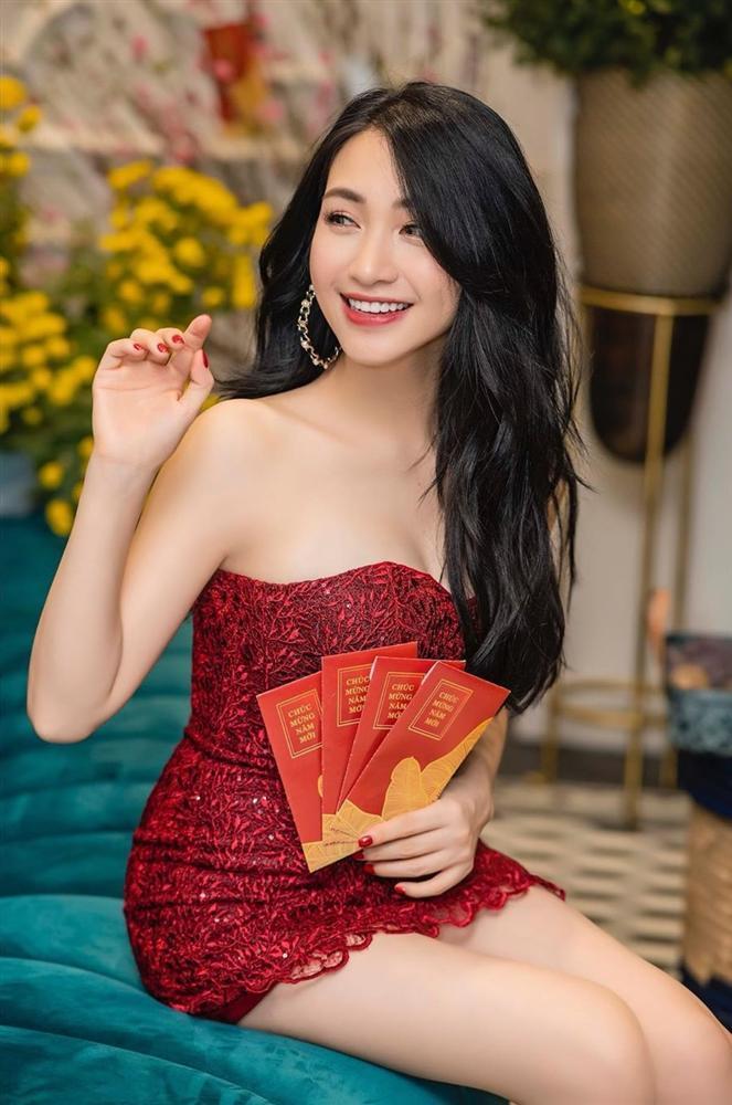Hòa Minzy tự tin diện đầm bodycon ngắn cũn - Thúy Vi bắt nhịp xu hướng với váy tím pastel-2