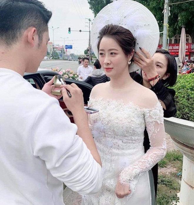 Bà xã xinh đẹp của thiếu gia Hà Quang Dũng thay đổi một trời một vực kể từ sau khi lấy chồng-3