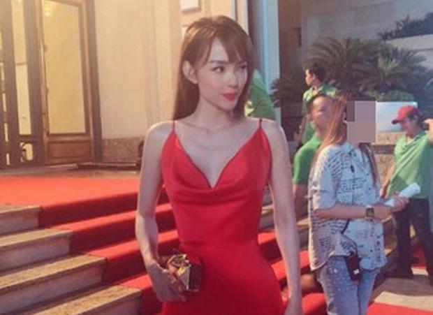 Minh Hằng, Nhã Phương gây lo lắng khi lộ thân hình gầy guộc-1