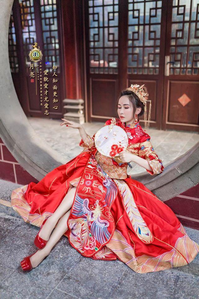 Vợ hai Minh Nhựa chơi lớn với bộ ảnh phong cách Trung Hoa đón Tết-3