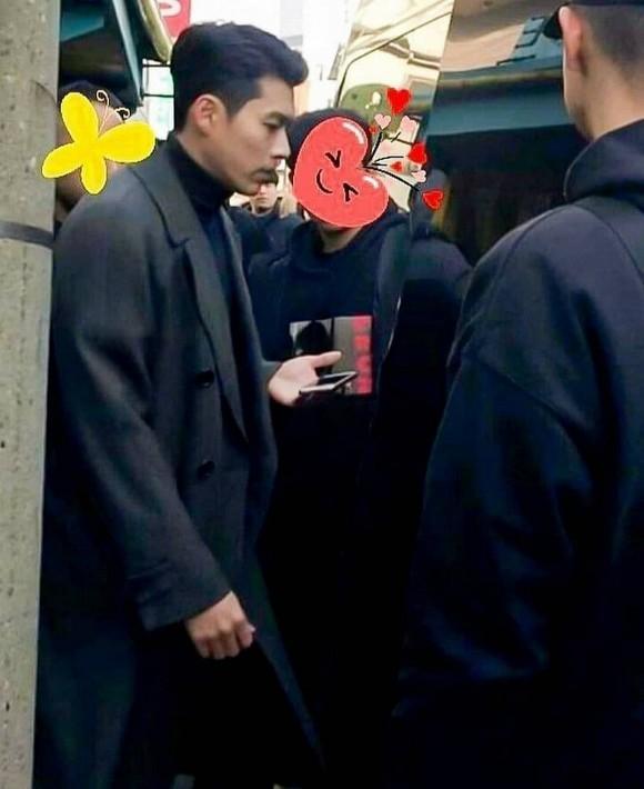 Hyun Bin lộ diện với hình ảnh soái ca dù mới dính nghi vấn là nam diễn viên nổi tiếng bị hacker dọa tung scandal với loạt sao nữ-1