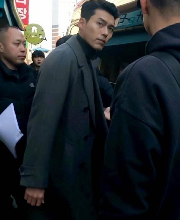 Hyun Bin lộ diện với hình ảnh soái ca dù mới dính nghi vấn là nam diễn viên nổi tiếng bị hacker dọa tung scandal với loạt sao nữ-2