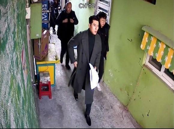 Hyun Bin lộ diện với hình ảnh soái ca dù mới dính nghi vấn là nam diễn viên nổi tiếng bị hacker dọa tung scandal với loạt sao nữ-3