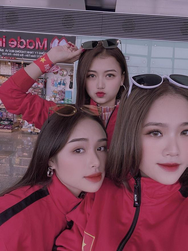 CĐV châu Á khen ngợi nhan sắc cô gái Việt xuất hiện trên fanpage AFC-3