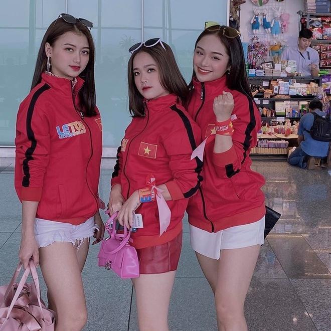 CĐV châu Á khen ngợi nhan sắc cô gái Việt xuất hiện trên fanpage AFC-4