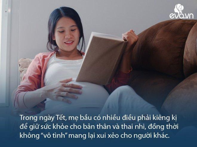 5 điều kiêng kị dịp Tết cho bà bầu ông bà thường nhắc, không phải điều nào cũng lỗi thời-1