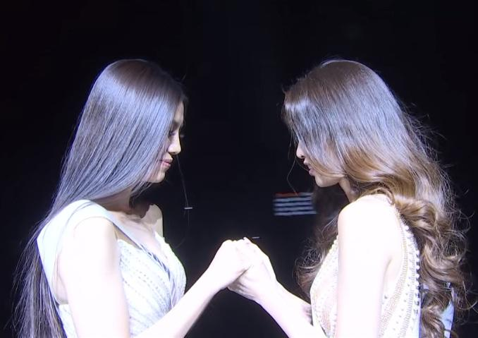 Tái hiện màn nắm tay trao giải, Hoa hậu Khánh Vân - Á hậu Kim Duyên tốc váy choảng nhau-9