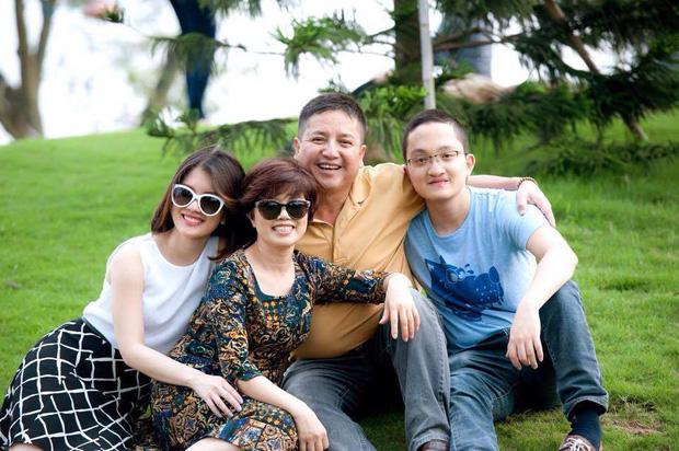 Sóng gió ái tình phủ sóng showbiz Việt đầu năm 2020: Bất ngờ nhất là cuộc ly hôn của nghệ sĩ Chí Trung-1