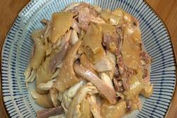 Học làm gà xé phay chắc thịt cho mâm cơm ngày Tết