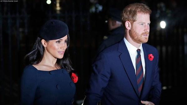 Harry và Meghan bị tước danh hiệu, phải trả lại tiền cho Hoàng gia-1