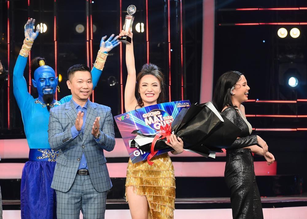 Đóng giả 4 ca sĩ cùng một lúc, Nhật Thủy đoạt Quán quân Gương Mặt Thân Quen 2019-5