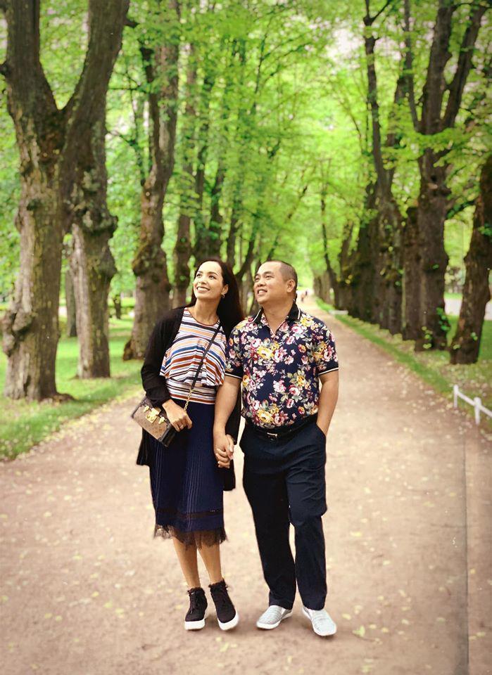 Minh Khang và Thúy Hạnh: cặp vợ chồng số 10 dù chênh lệch vóc dáng nhưng luôn đồng điệu thời trang-7