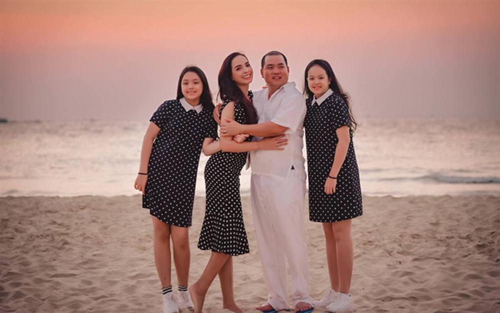 Minh Khang và Thúy Hạnh: cặp vợ chồng số 10 dù chênh lệch vóc dáng nhưng luôn đồng điệu thời trang-9