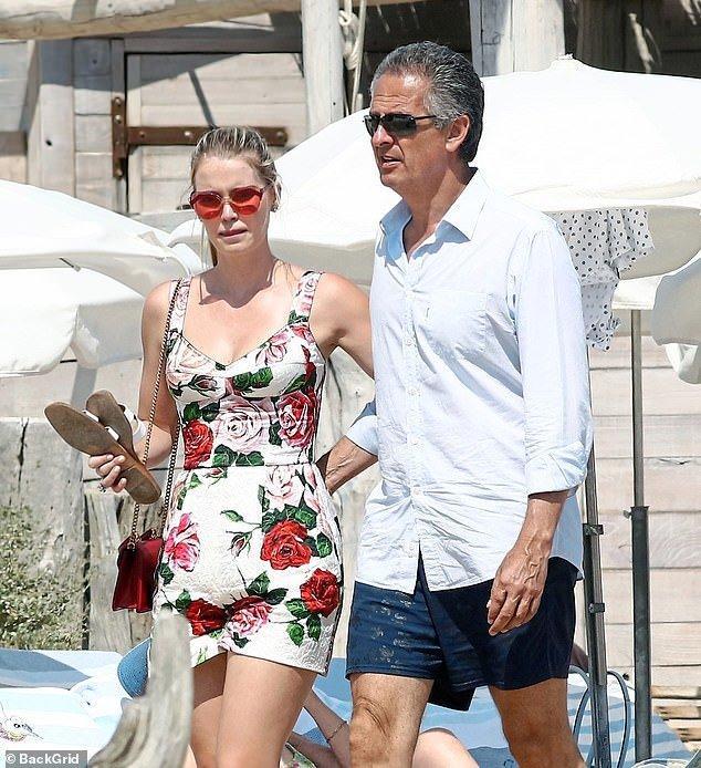 Nhẫn đính hôn của cháu gái công nương Diana, Kitty Spencer trị giá gần 4 tỷ VNĐ-5