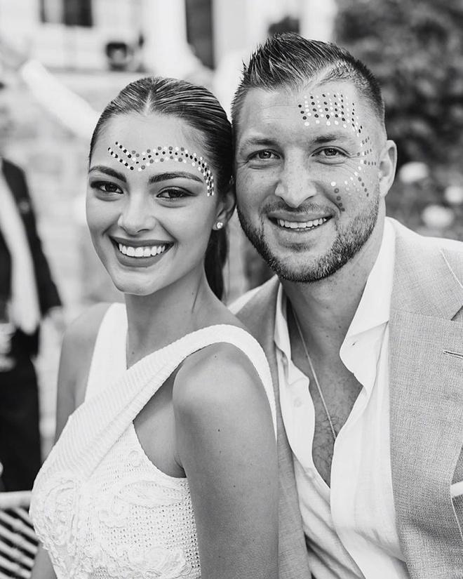 Hoa hậu Hoàn vũ 2017 kết hôn với tuyển thủ bóng chày-4