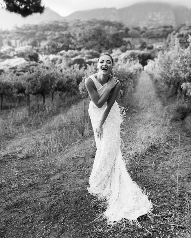 Hoa hậu Hoàn vũ 2017 kết hôn với tuyển thủ bóng chày-5