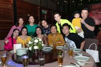 Gil Lê đưa bố mẹ tới tiệc cảm ơn của Hoàng Thùy Linh, nghi vấn cặp mỹ nhân hẹn hò đã lên đỉnh điểm
