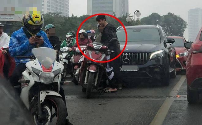 Lan truyền hình ảnh Đỗ Duy Mạnh va chạm xe ở cầu vượt Thái Hà, diễn biến sau đó mới hồi hộp-2
