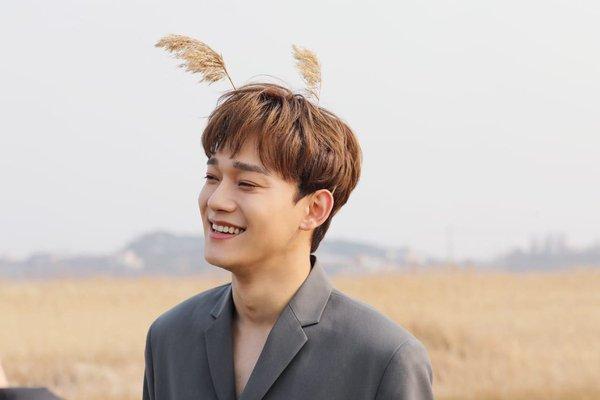 HOT: Đoạn clip thầy bói phán về tình duyên của EXO gây sốt trở lại sau tin kết hôn của Chen-1