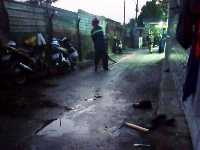 Vụ cháy nhà làm 5 người chết ở Sài Gòn: Nghi có kẻ đốt nhà dằn mặt vì nợ?-1