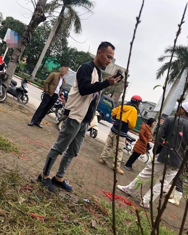 Cười sặc ảnh chế Quang Hải về quê bán đào kiếm bánh chưng có thịt, thầy Park tay xách nách mang sắm tết-5