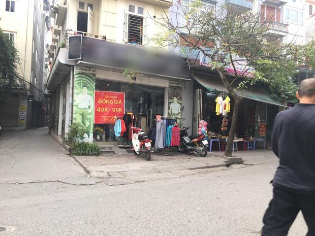 Vụ người phụ nữ mang bầu lái xe cán qua nia trái cây của cô bán hàng rong: Nữ nhân viên cửa hàng quần áo lên tiếng-2