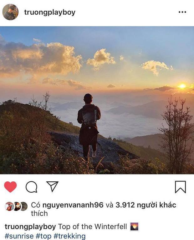 Xuân Trường chống nạng đi leo núi, săn mây sau khi điều trị chấn thương-1