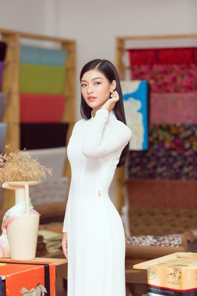 Á hậu Kiều Loan bất ngờ tung bản mashup nhạc xuân, rủ fan ăn Tết siêu to khổng lồ-3