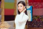 Á hậu Kiều Loan bất ngờ tung bản mashup nhạc xuân, rủ fan ăn Tết 'siêu to khổng lồ'
