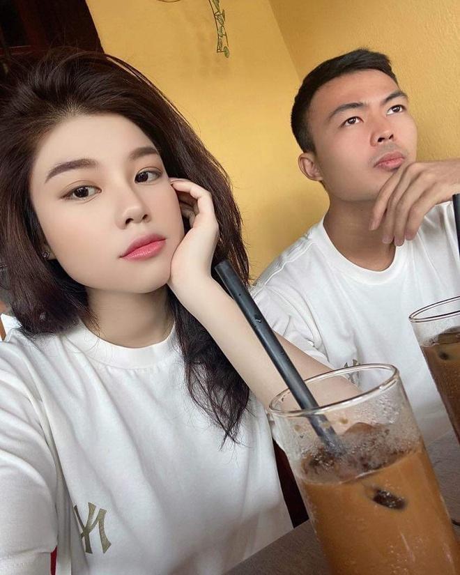 Vợ sắp cưới Văn Đức gói bánh chưng, bạn gái Văn Toàn làm đẹp trước Tết-6