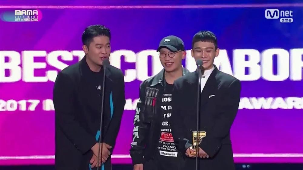 Chen (EXO) đồng loạt bị ném đá khi quyết định tung ca khúc mới giữa bão dư luận sau thông báo kết hôn sinh con-6