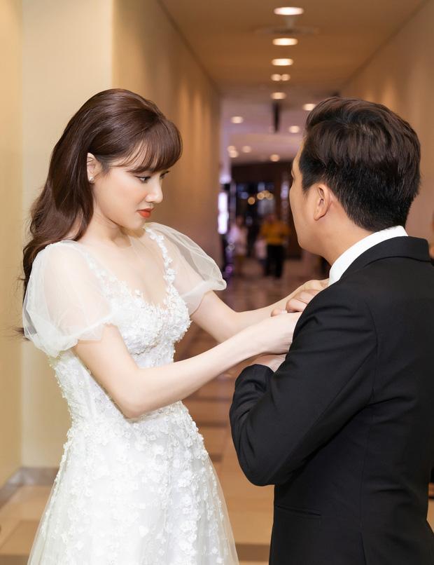 Nhã Phương lại gây sốt với khoảnh khắc chăm sóc Trường Giang cực chu đáo nhưng netizen chỉ dán mắt vào body của cô-1
