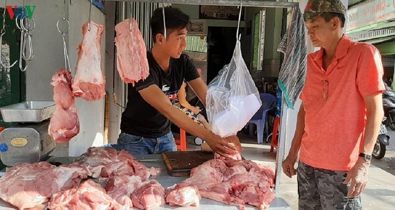 Tiểu thương đẩy giá thịt heo lên mức cao nhất từ trước đến nay-2