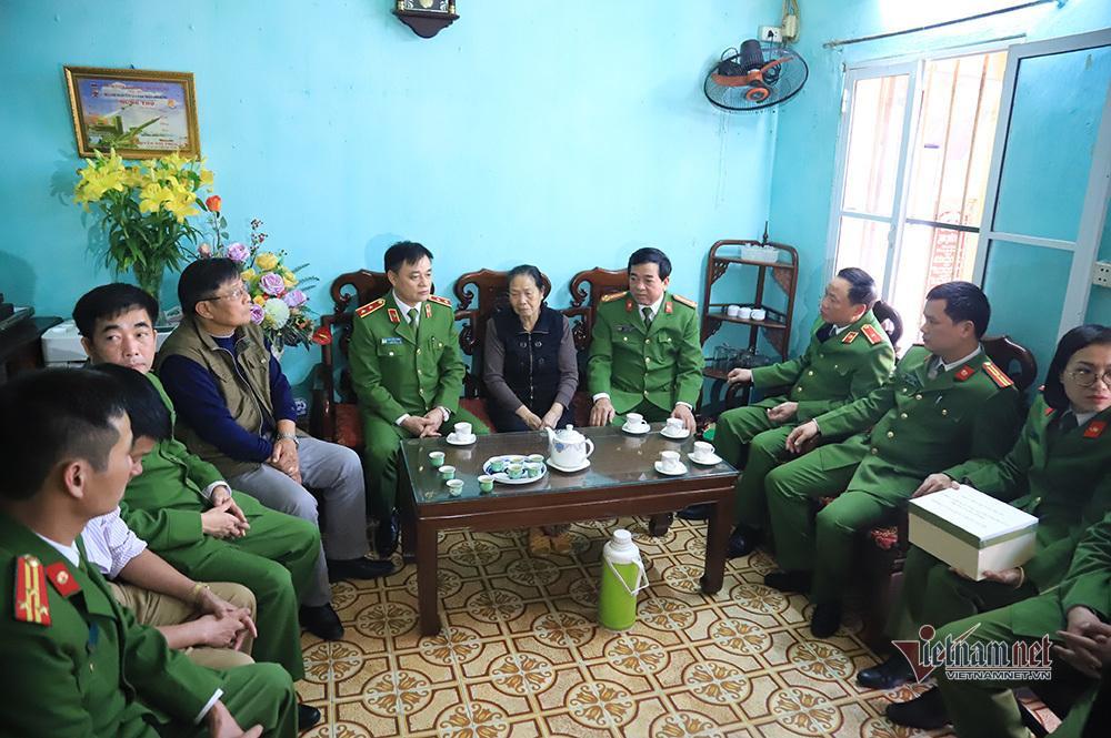 Chiều cuối năm nghẹn ngào ở gia đình Phó Trung đoàn trưởng hy sinh tại Đồng Tâm-1