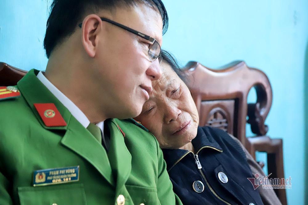 Chiều cuối năm nghẹn ngào ở gia đình Phó Trung đoàn trưởng hy sinh tại Đồng Tâm-2
