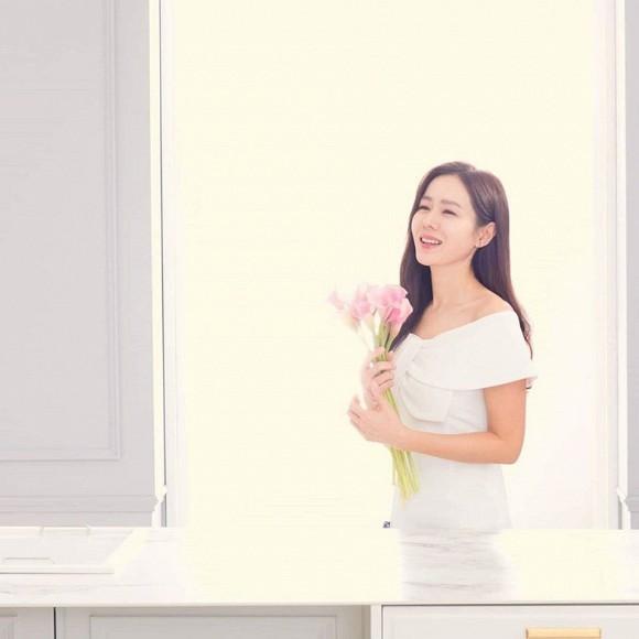 Đã đẹp xuất sắc lại hay thả thính bảo sao Son Ye Jin ở tuổi U40 vẫn hút fan đến vậy-1