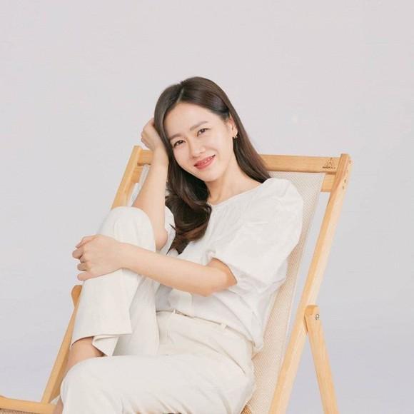 Đã đẹp xuất sắc lại hay thả thính bảo sao Son Ye Jin ở tuổi U40 vẫn hút fan đến vậy-3