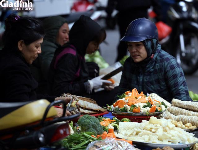 Mục sở thị chợ nhà giàu ngày Tết đậm chất quê giữa trung tâm Hà Nội-1