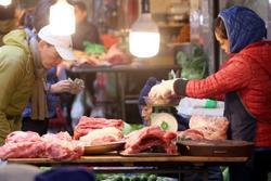 Mục sở thị 'chợ nhà giàu' ngày Tết đậm chất quê giữa trung tâm Hà Nội