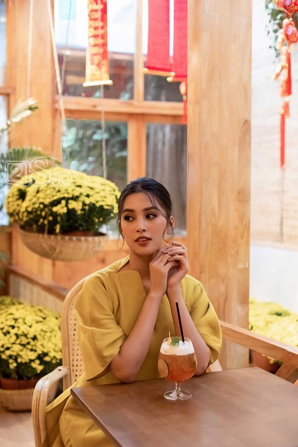 Hoa hậu Trần Tiểu Vy: Tôi từng bật khóc tranh cãi gay gắt với mẹ-1