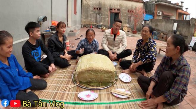 Bà Tân Vlog lại làm bánh chưng siêu to khổng lồ, choáng với số cân nặng-4