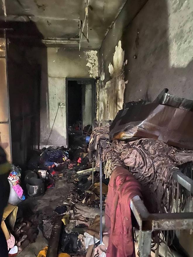 TP. HCM: Cháy 2 căn nhà lúc rạng sáng mùng 1 Tết, 5 người được giải cứu nhưng nhiều xe máy bị thiêu rụi-4