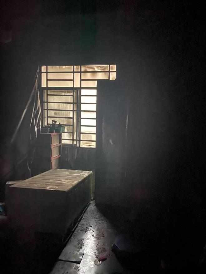 TP. HCM: Cháy 2 căn nhà lúc rạng sáng mùng 1 Tết, 5 người được giải cứu nhưng nhiều xe máy bị thiêu rụi-5