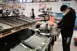 Vũ Hán bị phong tỏa, dân vét sạch siêu thị để tích trữ lương thực
