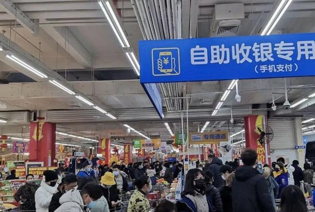 Bên trong Thành phố ma Vũ Hán: 11 triệu người bị cách ly hoàn toàn, lương thực cạn kiệt, gia đình ly tán, mọi người bàng hoàng lo sợ cầu cứu-4