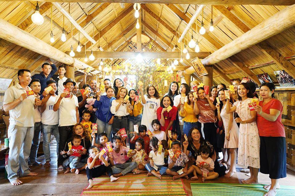 Sao Việt đón Tết bên gia đình: Quân số nhà Ngọc Trinh siêu đông mà vẫn bị nhà HHen Niê áp đảo-3
